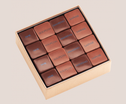 Chocolate Pralines Golden box